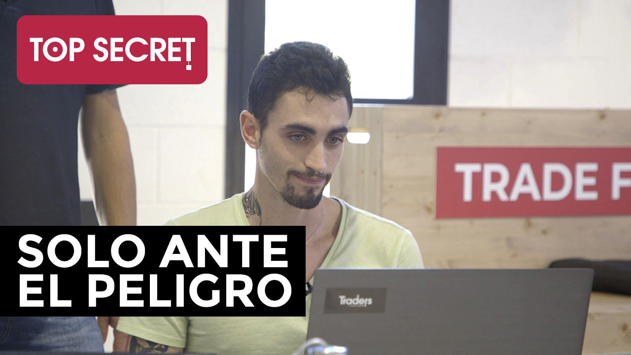 Esteban: solo ante el peligro | Top Secret | Vídeo